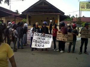 solidaritas anti penggusuran pandang raya-2